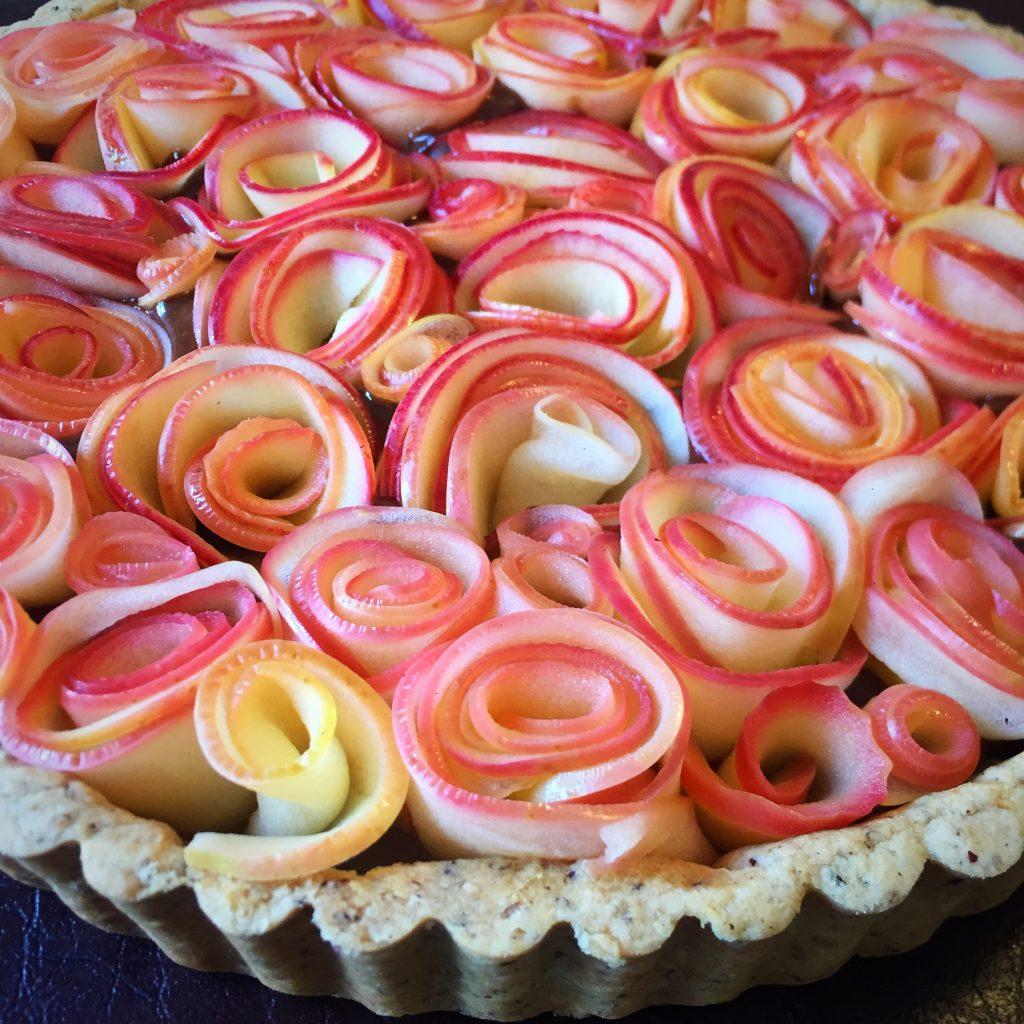 Hazelnut-Chocolate Rose Tart